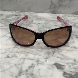 Accessories - Oakley Breast cancer sunglasses